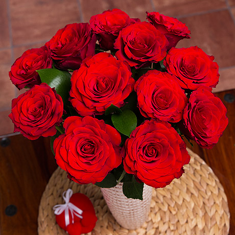 PRODUCT_FLOWERS_12_Red_Roses_image1_460x460.jpg