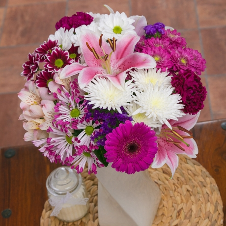 PRODUCT FLOWERS Sweetheart Bouquet Large image