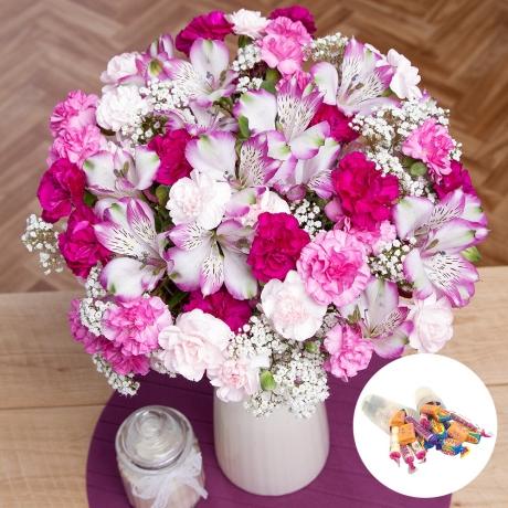 PRODUCT FLOWERS Graduation Flower Gift image