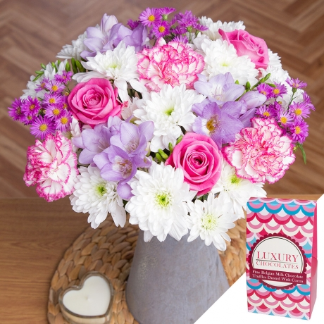 PRODUCT FLOWERS Pastel Charm Gift image