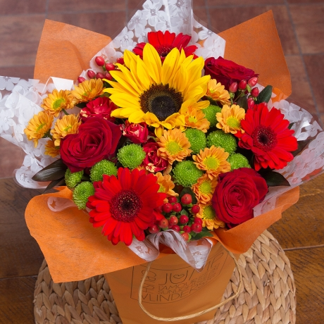 PRODUCT FLOWERS Autumn Gift Bag image