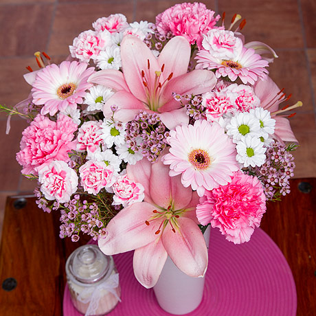 PRODUCT FLOWERS Cupcake Bouquet image