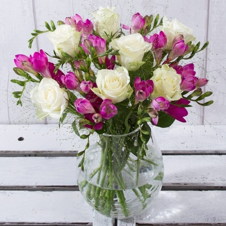 PRODUCT FLOWERS Rose and Freesia image