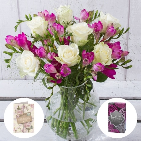 PRODUCT FLOWERS Scented Birthday Gift image