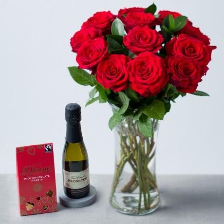 PRODUCT FLOWERS Romantic Gift Set image