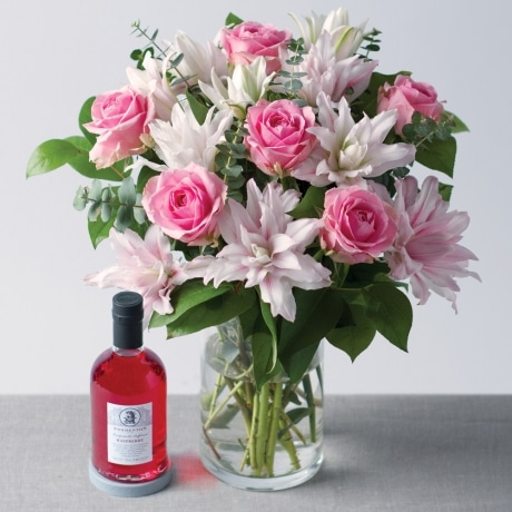 PRODUCT FLOWERS Rose and Lily Gift Set image