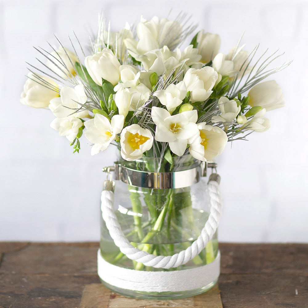 PRODUCT FLOWERS Winter Tulips and Freesias image
