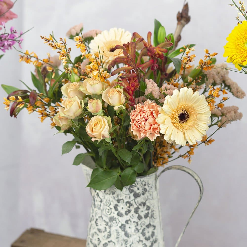 PRODUCT FLOWERS Florists Choice Chic image