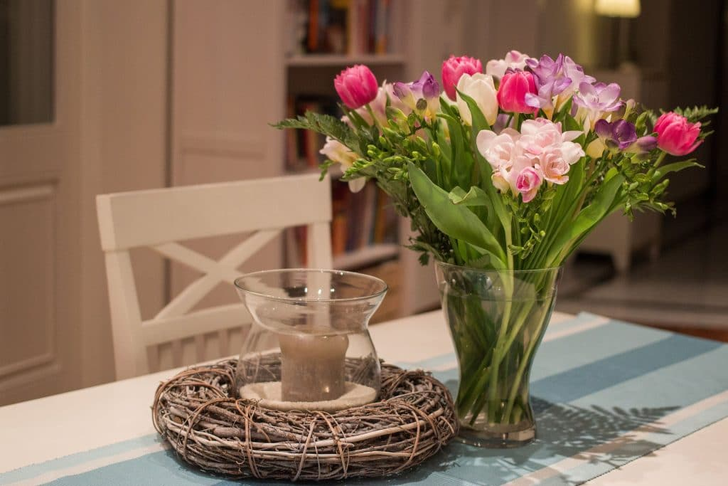 Freesias in a Vase - Freesias by post